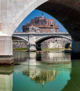 The bridges over Tiber river with Castel Sant Angelo in background, Rome, Italy - GlobePhotos
