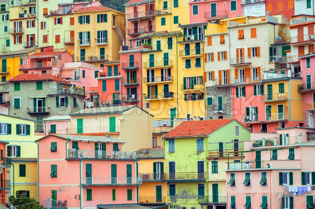 Traditional italian colorful houses cinque terre italy for Pictures of italian houses
