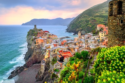 Vernazza in Cinque Terre, Liguria, Italy Stock Photo