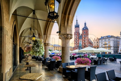 St Mary's Basilica and Main Market Square in Krakow, Poland Stock Photo