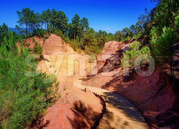 The Red Cliffs (Les Ocres) of Roussillon, Provence, France Stock Photo