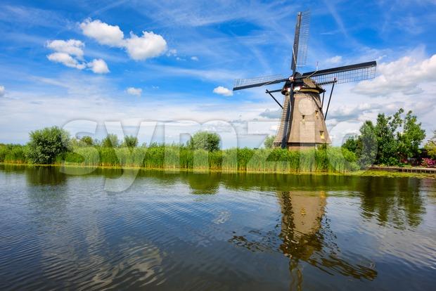 A windmill in Kinderdijk, Holland, Netherlands Stock Photo