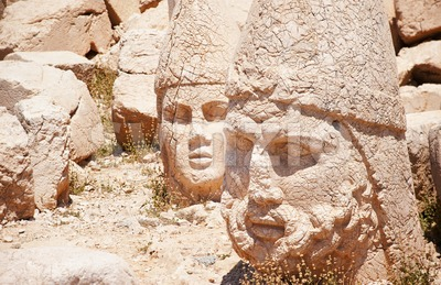 Antique statues on top of Nemrut mountain, Turkey Stock Photo