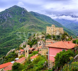 Castelvecchio di Rocca Barbena, Liguria, Italy Stock Photo