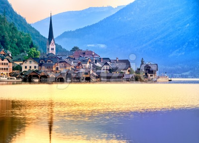 Hallstatt town on a lake in Alps mountains, Austria Stock Photo