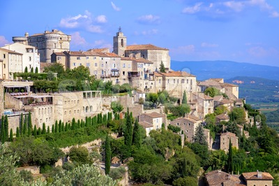Gordes, a medieval hilltop town in Provence, France Stock Photo