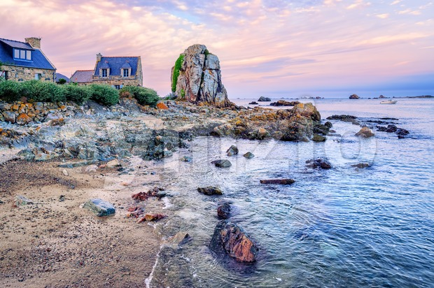 Atlantic beach on the Pink Granite Coast, Brittany, France Stock Photo