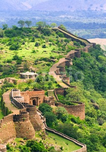 Massive walls of Kumbhalgarh Fort, India Stock Photo