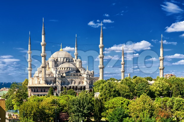 Minarets and domes of the Blue Mosque, Sultanahmet, Istanbul, Turkey