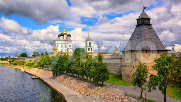 Pskov Kremlin on Velikaya River, Pskov, Russia Stock Photo