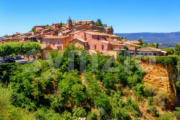 Roussillon Old Town on the ochre Red Cliffs, Provence, France Stock Photo