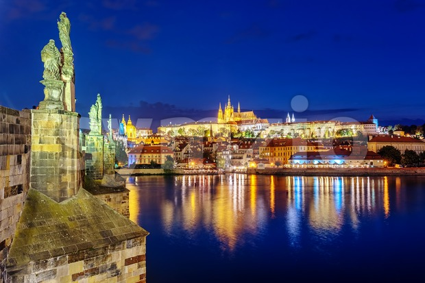 Prague Castle and Charles Bridge at night, Prague, Czech Republic Stock Photo