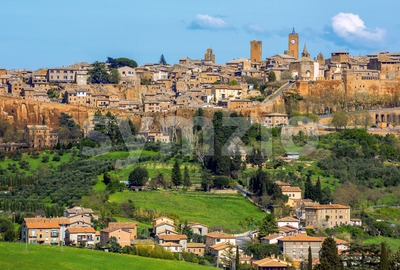 Orvieto, walled hilltop town in Umbria, Italy Stock Photo