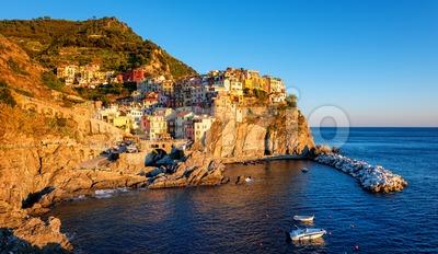 Picturesque village Manarola in Cinque Terre, Italy Stock Photo
