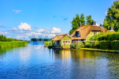 Idyllic lake landscape in Giethoorn village, Netherlands Stock Photo