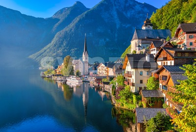 Hallstatt idyllic alpine lake village, Austria Stock Photo
